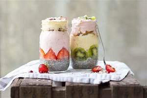 Joghurt Mit Chia : fr hst ck im glas chia samen pudding mit erdbeer joghurt women at work ~ Watch28wear.com Haus und Dekorationen