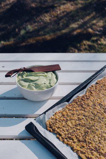 Sēkliņu krekeri ar avokado krēmu - Krustnagliņa - #ar #avokado #krekeri #kr... - Mana vietne   Tasty