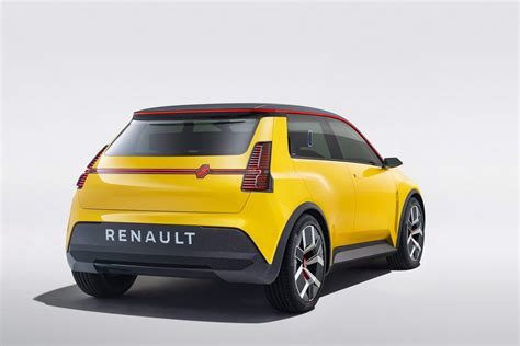 Renault stuns with new electric 5 - car and motoring news ...