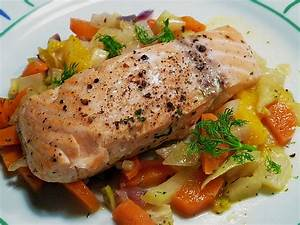 Lachs Mit Gemüse : sanft gegarter lachs auf m hren orangen fenchel gem se rezept mit bild ~ Orissabook.com Haus und Dekorationen