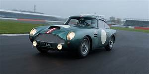 Aston Martin Db4 Gt : aston martin db4 gt continuation a very rare drive indeed ~ Medecine-chirurgie-esthetiques.com Avis de Voitures
