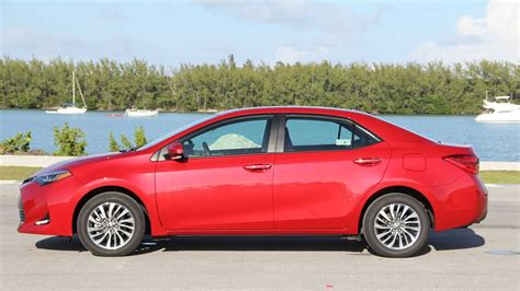 Toyota's 2018 corolla makes a great first car, but even longtime drivers will appreciate the the 2018 toyota corolla compact sedan may not be the fastest or most technologically advanced small car. 2018 Toyota Corolla XLE: Review - 3719691