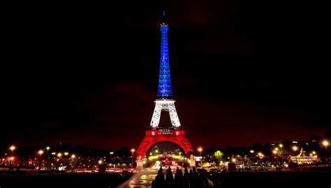 torre eiffel illuminata torre eiffel illuminata natale 28 images torre eiffel