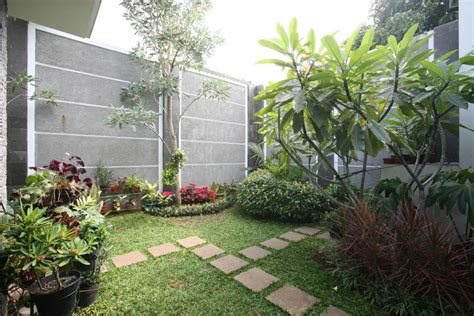 Foto Desain Taman Belakang Rumah