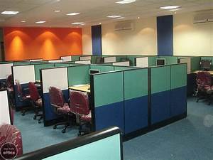 Desk in Shared / Colocated IT Office Space in Electronic ...