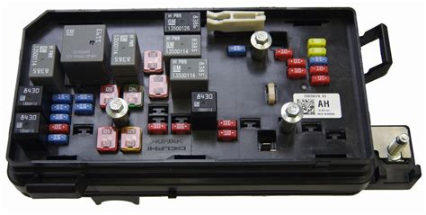 Buick Lucerne Fuse Box by 2008 2011 Cadillac Dts Buick Lucerne Fuse Block Box New