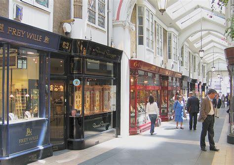 visit shopping districts  milan  york paris
