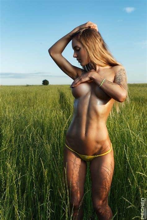 Sveta Statham X Ura Pechen Naked Hello Kisses