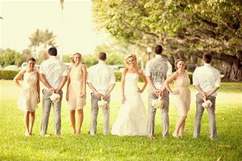 21 Creative Wedding Photo Ideas With Bridesmaids And