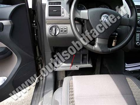 1995 Vw Passat Fuse Box Cover by Obd2 Connector Location In Volkswagen Touran 1 2003