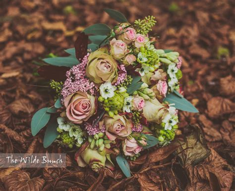 autumn wedding flowers  wilde bunch wedding florist