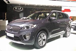 Kia Paris : kia sorento displayed in paris carbuyer ~ Gottalentnigeria.com Avis de Voitures