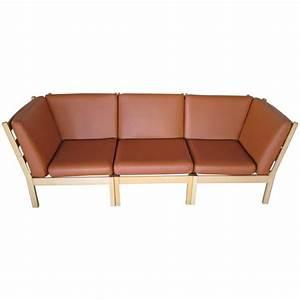 Sofa In Cognac : artifort three section cognac leather sofa for sale at 1stdibs ~ Indierocktalk.com Haus und Dekorationen