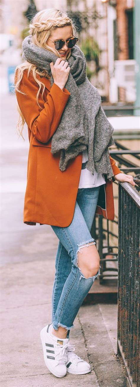 25+ best ideas about Tattered Jeans on Pinterest | Pink blazer outfits Fasion and Spring clothes