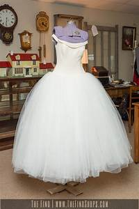 beautiful vintage vera wang wedding dress the find shops With vera wang vintage wedding dress