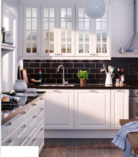 cuisine blanc et noyer cuisine carrelage noir et blanc