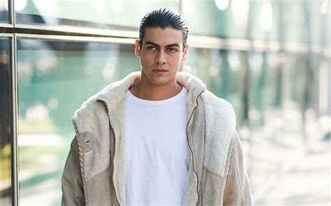 epic  hairstyles  men distinctive trends