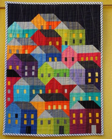 house quilt patterns 17 best images about hillside houses on custom