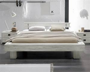 Bett Massivholz 180x200 : massivholzbett im vintage stil in wei kaufen buena ~ Indierocktalk.com Haus und Dekorationen