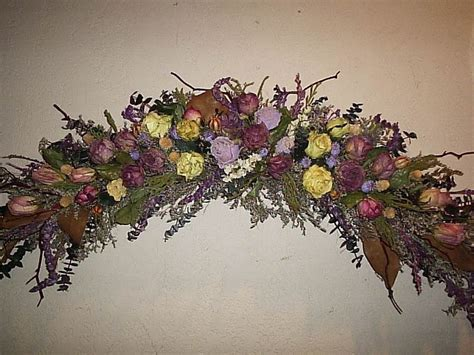 Dry Flowers Decoration For Home: Gorgeouse Use Of Dried Roses & Eucalyptis To Form Archway