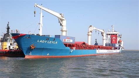 port d israel en 5 lettres turkish aid ship for gaza arrives at israeli port
