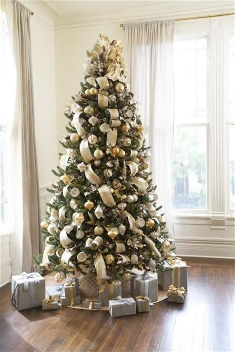 gold christmas tree ideas  pinterest gold