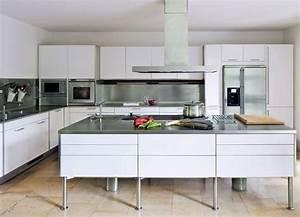 Plan De Travail Cuisine Avec Rangement : mod le de cuisine moderne 34 int rieurs qui nous inspirent ~ Teatrodelosmanantiales.com Idées de Décoration