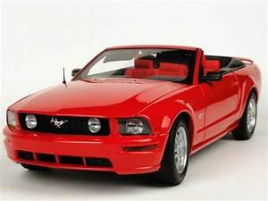 Ford Mustang Gt Cabrio : ford mustang gt cabrio 2006 rot autoart 73061 bild 2 ~ Kayakingforconservation.com Haus und Dekorationen