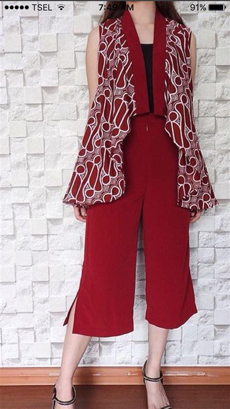 pin oleh paula prasetya   batik desain blus gaun