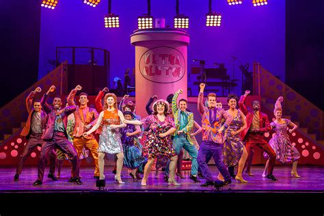 Review Hairspray The Musical Uk Tour