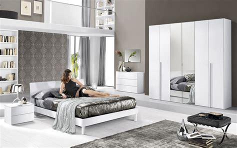 Il nuovo catalogo mondo convenienza 2020 con le diverse proposte di arredo per la camera da letto. Mondo convenienza: 15 camere da letto moderne, adesso con ...