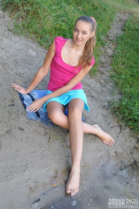 Amazingly Hot Blonde Girlfriend Enjoys The Seductive Self Play While Alone On The Lake Side