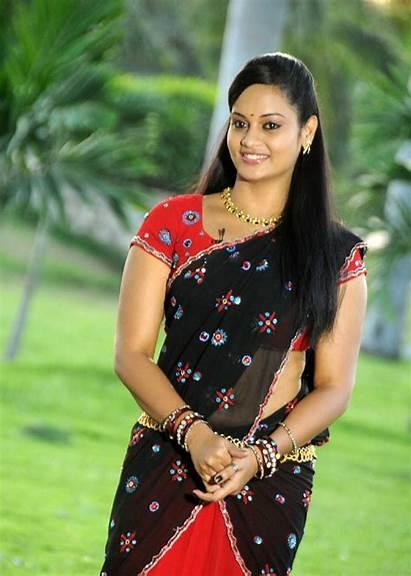 Tamil Actress Suja Navel Saree Cleavage Indian