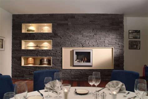 humidité mur chambre parement avec plaquettes de naturelle ou