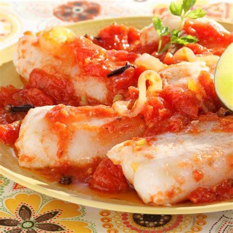 cuisine cabillaud poisson à la sauce tomate épicée cuisine az