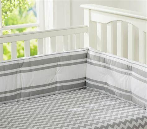chambre bebe gris blanc où trouver le meilleur tour de lit bébé sur un bon prix