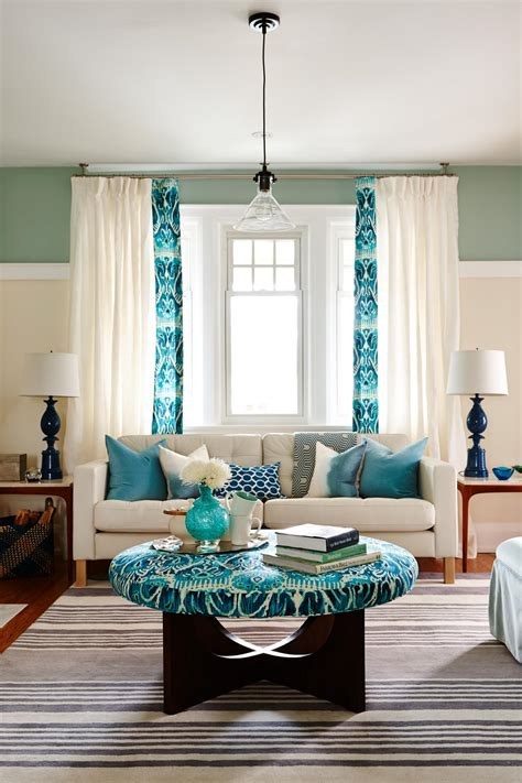Create an accent wall with simple wall display ledges. 10 ideas for how to decorate your living room with turquoise accents