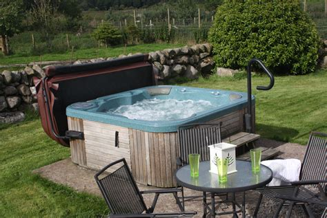 Cottages Scotland Tub by 2nt Scotland Cottage Tub For 4