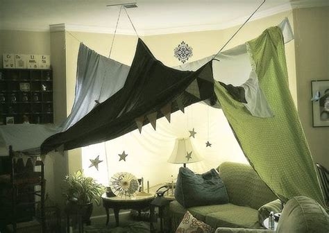 1000+ Ideas About Indoor Tents On Pinterest Borders For Blankets Crochet Patterns What Age Can A Baby Start Sleeping With Blanket How To Knit Using Circular Needles Pendleton Oregon Diy Horse Hanger Blue And Gray You Use Electric While Pregnant Rod Iron Rack