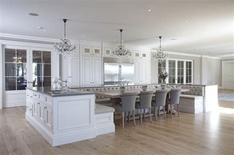 Island Booth Seating by Trend Alert A Kitchen Island That S Also A Breakfast Nook