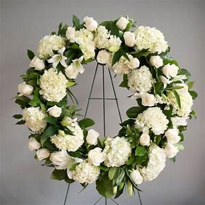 Elegant white funeral wreath expresses sympathy | Funeral ...