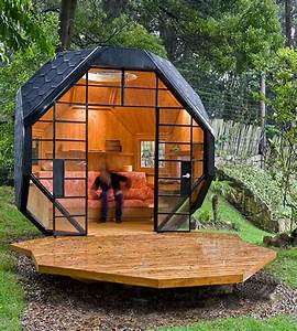 A geometric solution to the cubby house