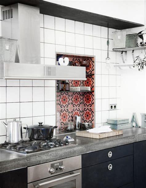 cool  creative kitchen backsplashes shelterness