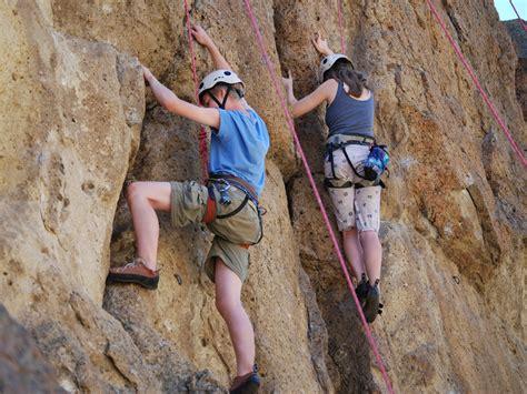 Tips How Rock Climbing Luve Sports