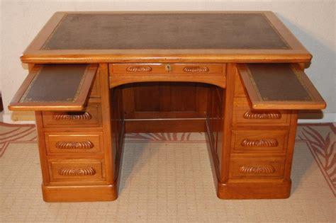 bureau style ancien bureau a caissons 4 façes époque 20ème siècle acajou