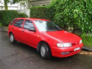 Aussie Old Parked Cars  1996 Nissan Pulsar Lx