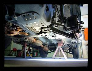 2005 Ford Escape Undercarriage