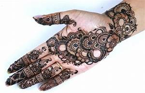 Simple Arabic Mehndi Design Front Hand | makedes.com