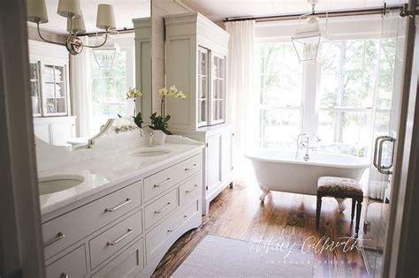 white quartz curved bath vanity backsplash cottage