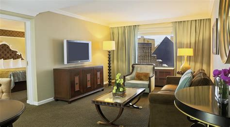Las Vegas Hotels With 2 Bedroom Suites by Resort Luxury 2 Bdrm Suite At Excalibur Hotel Casino Las